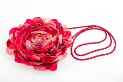 """Rankinė """"Rožė"""" (raudona)"""